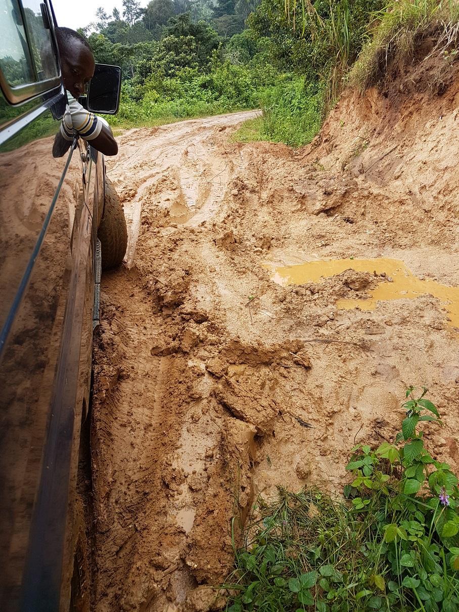 Mit dem Geländewagen während der Regenzeit durch die Suedpare-Berge 2018