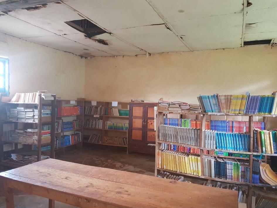 Bibliothek Shigatini Secondary School